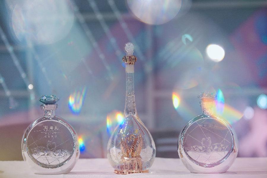 诠释白酒多元化,五粮液惊艳亮相婚礼纪杭州潮婚节
